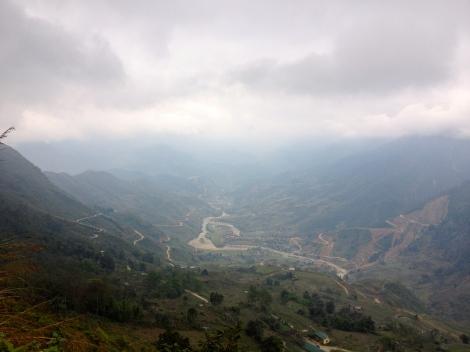 Vietnam_Sapa_panorama_foggy