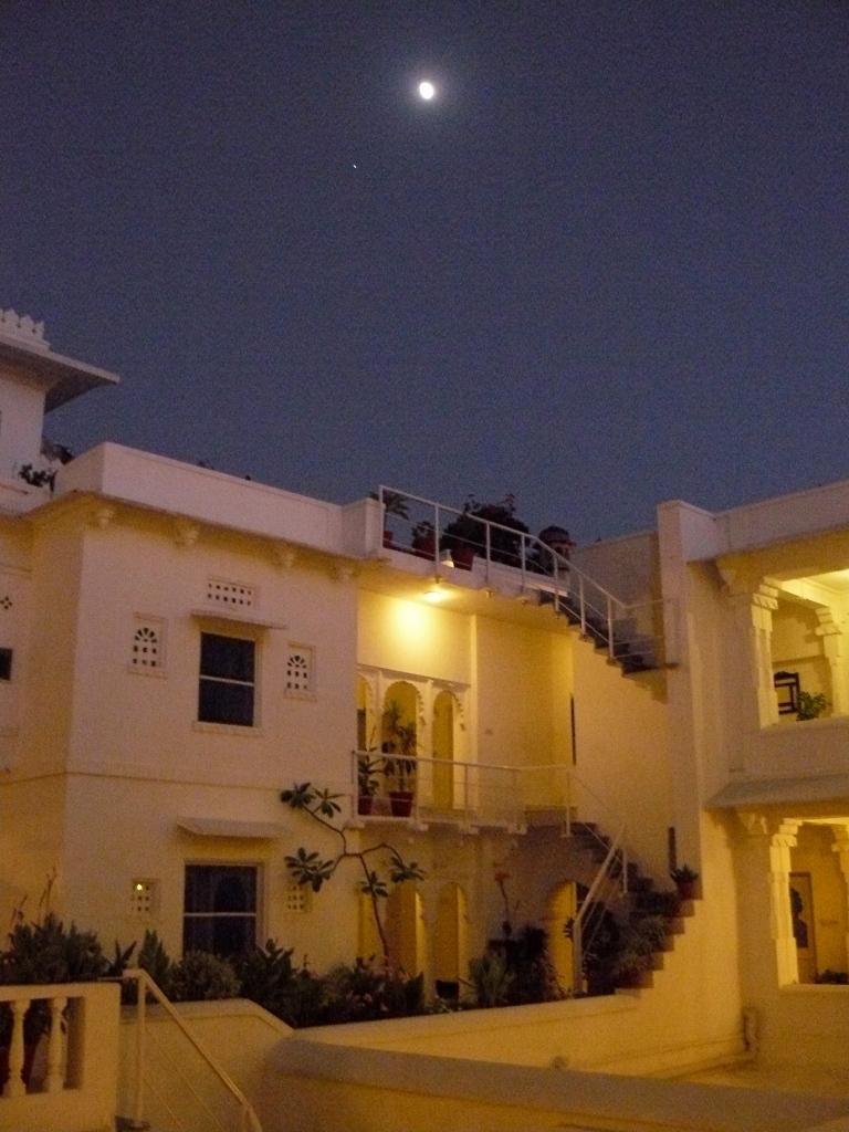 India_Udaipur_Hotel_Night