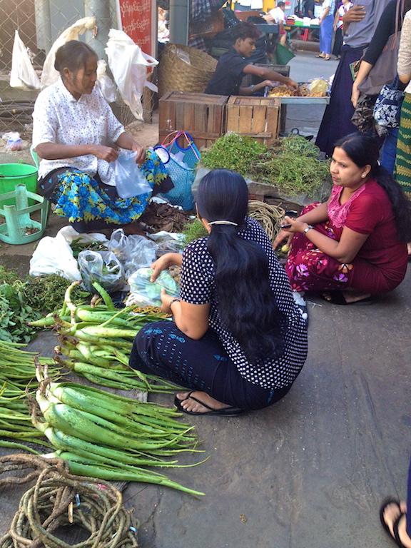 Myanmar_Yangon_street market veggies